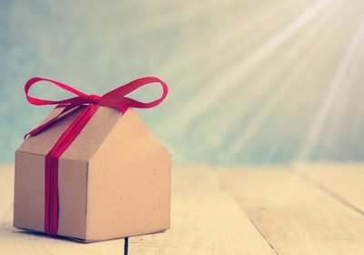 Housewarming Ideas for the Practical Gifter